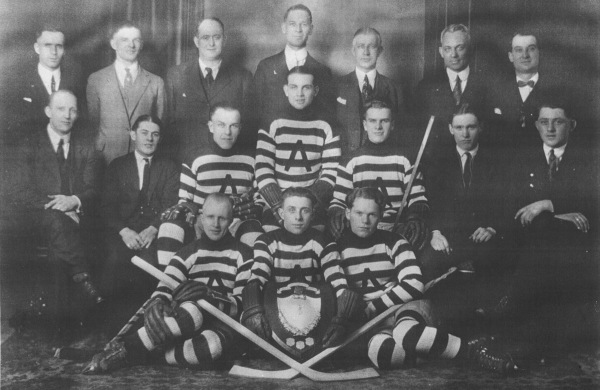 C.N.R. Hockey Team 1923 Ontario C.N.R. Champions